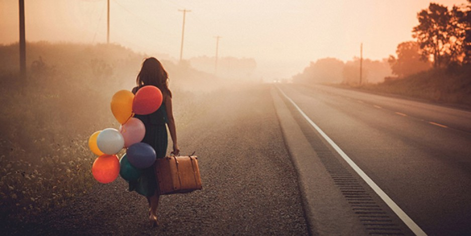 strada con palloni